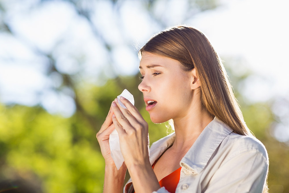 Woman have allergic rhinitis