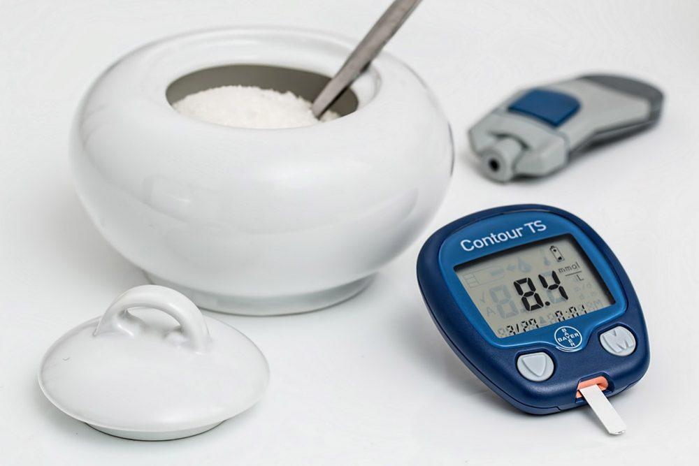 Cukier na białe stole glukometr do mierzenia cukru we krwi, cukrzyca